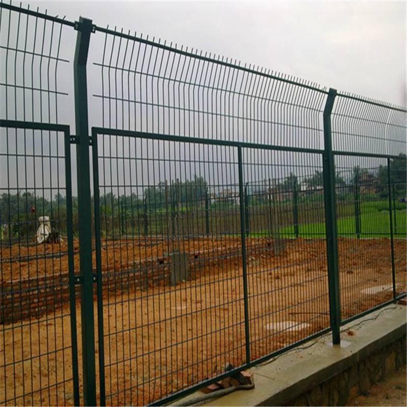 园林护栏网 公路隔离网价格 护栏网哪里有卖