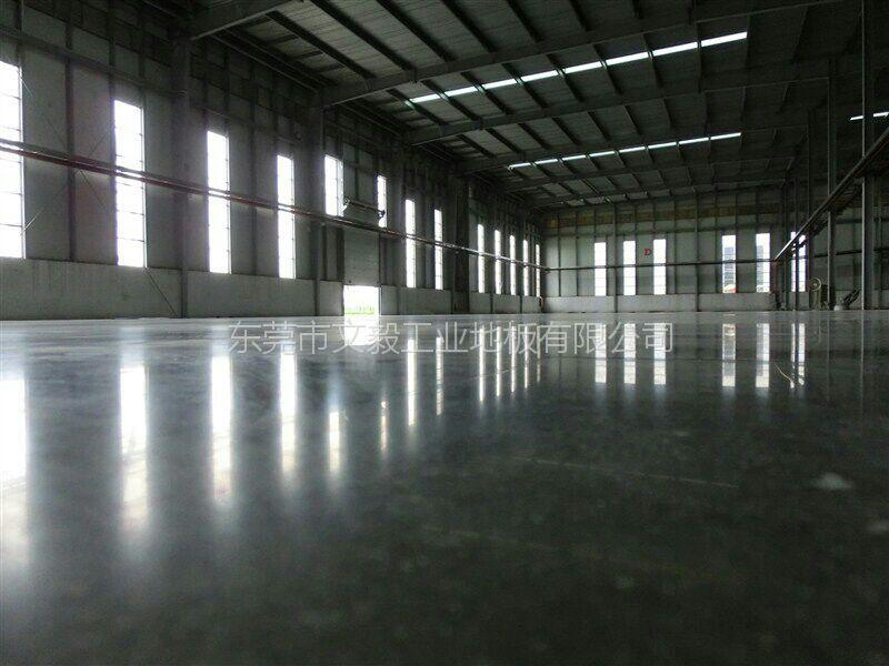 东坑镇金刚砂耐磨(固化)地坪、金刚砂起灰处理、硬化地坪施工