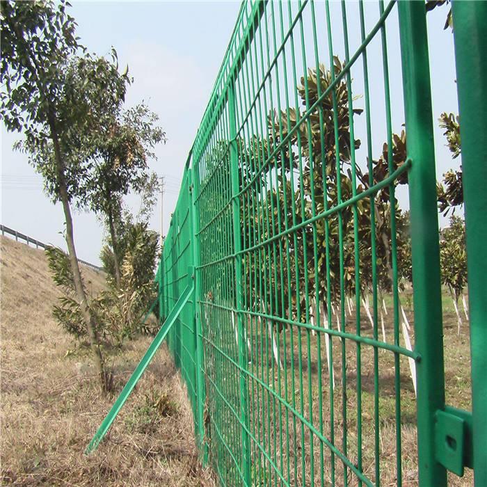 生态园防护网 林地围栏网 折弯护栏网现货