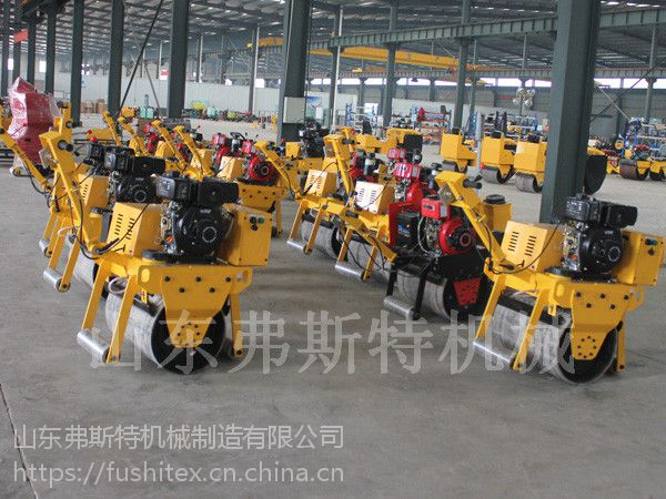 弗斯特手扶式压路机,载人式压路机厂家直销操作更加轻松方便