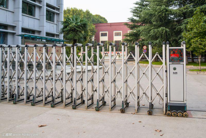大量供应天津市伸缩门 不锈钢伸缩门 电动伸缩门 质量好