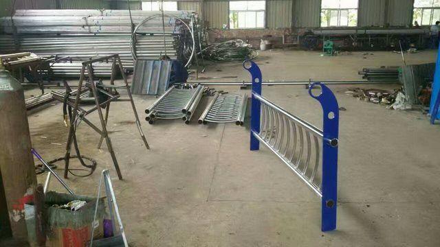 牡丹江不锈钢复合管栏杆代理