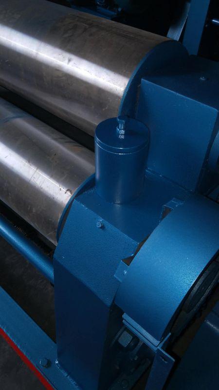 JR直销W11系列经济型12x2200机械对称式三辊卷板机
