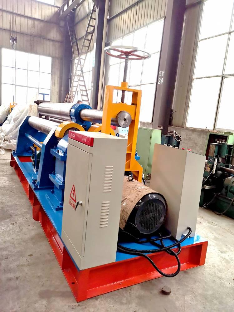 厂家批发各种型号对称式三辊卷板机 机械卷板机技术参数