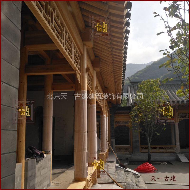 厂家使用木材定制用于长廊及古建筑的实木挂落、吊挂楣子等防护栏