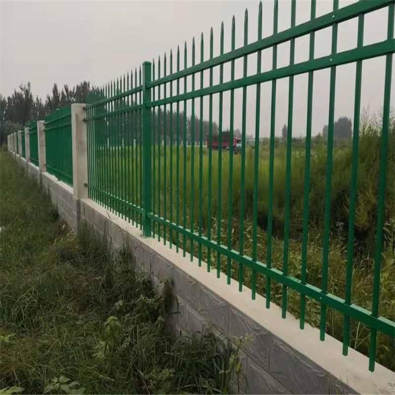 体育场外墙围栏 绿化带隔离护栏 足球场围墙护栏