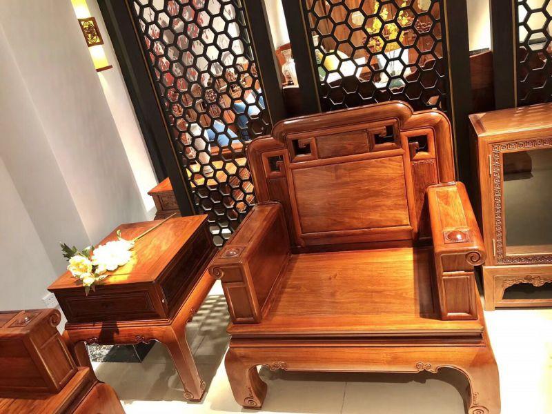 名琢世家供应刺猬紫檀红木国色天香弯腿沙发 弯腿大床全国销售