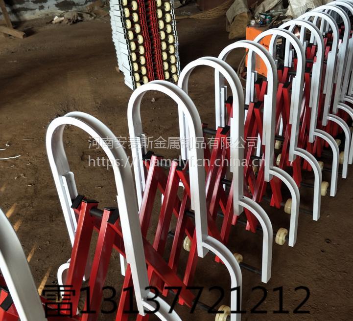 洛阳高速护栏洛栾高速收缩护栏移动式伸缩护栏轱辘红白栏杆