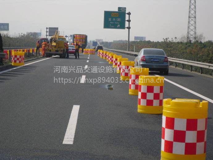 河南商丘厂家现货供应道路施工水马围挡 注水围挡 工程临时围挡