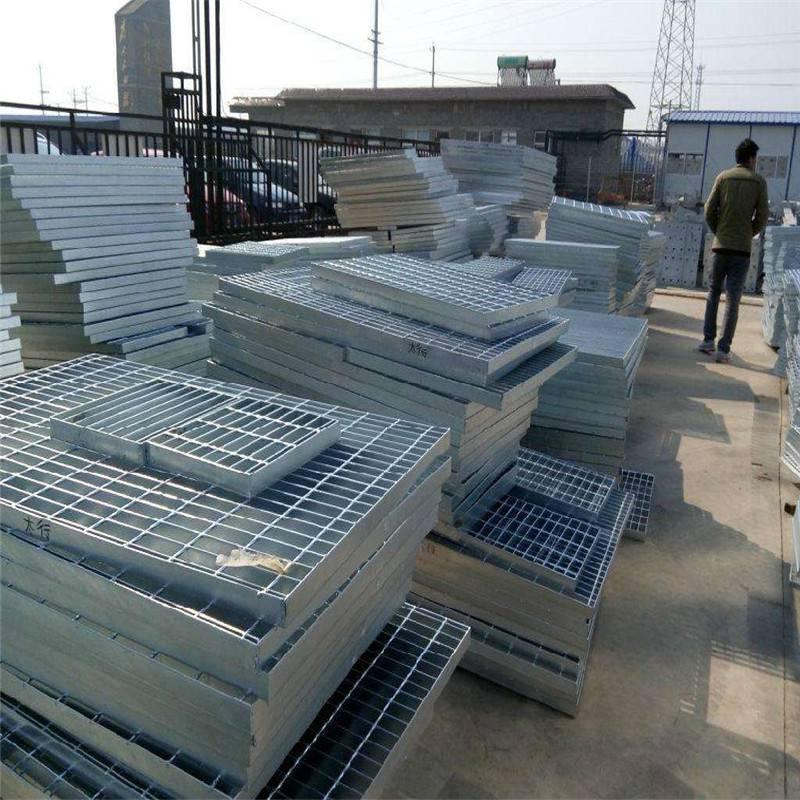 楼梯网格板定制 踏步网格板报价 水沟盖板标准