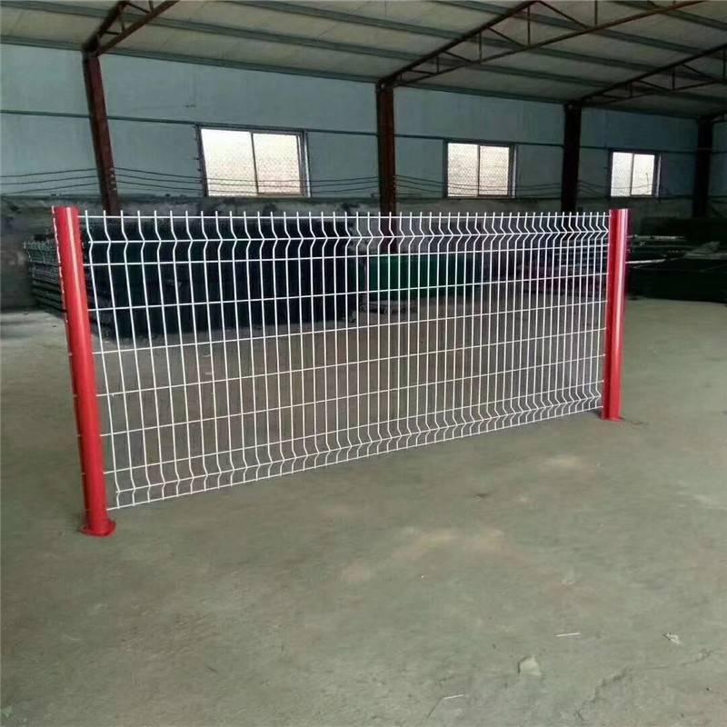 学校圈墙网 开发区护栏网 浸塑防护栅栏