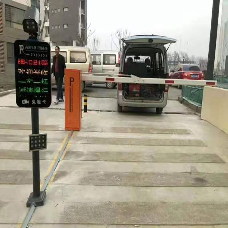 江西停车场道闸价格优惠,奥博三辊闸厂价直销