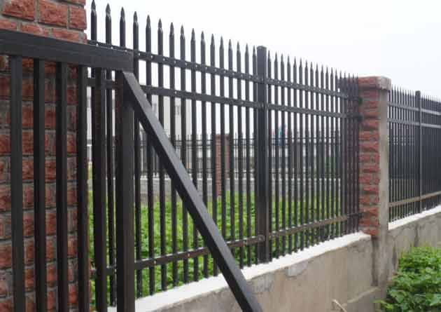 清远水库镀锌护栏供应 热镀锌铁丝防护网定制 珠海工地护栏出口质量