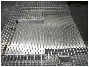 工地用热镀锌钢格板河北厂家