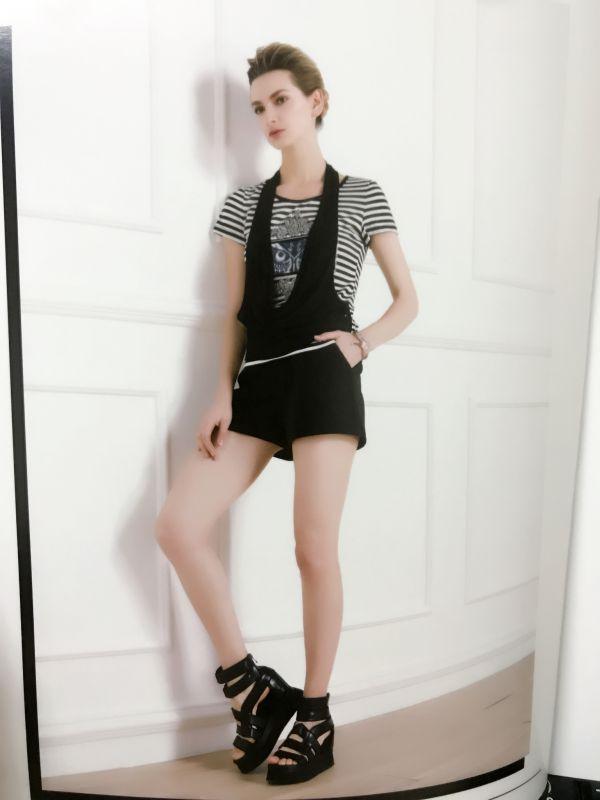 成都荷花池女装批发典典秀品牌女装加盟店杭州品牌折扣女装加盟