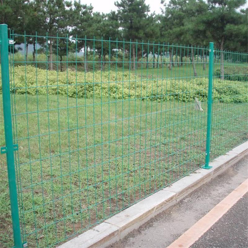 场地护栏网 铁丝网围栏厂家 高速公路护栏网