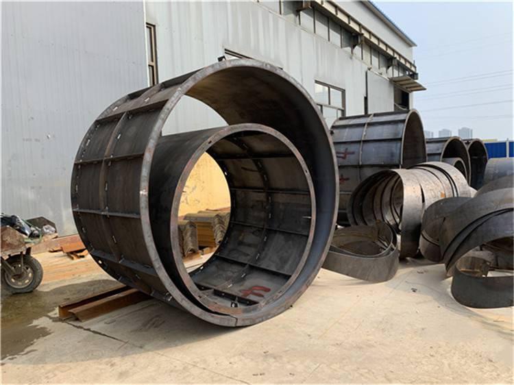 河北飞天组合式化粪池钢模具,设计结构合理、质量突出