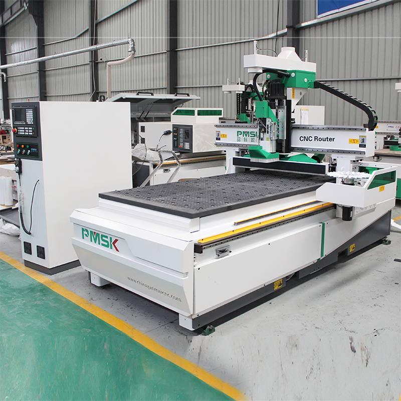 加工板式家具加工用到的定制家具数控开料机有几种