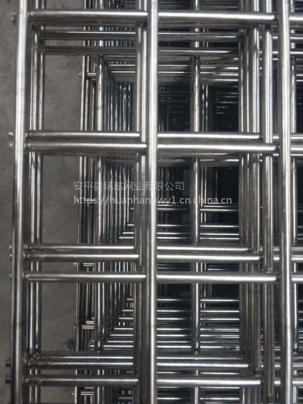 养殖藏獒常用防护网材料铁丝焊接网、防护围栏网