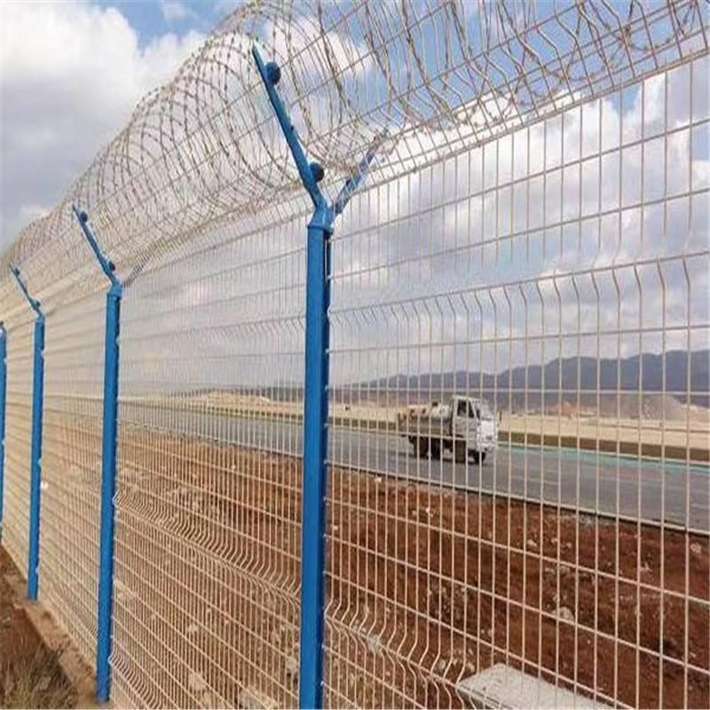 折弯护栏网 钢丝护栏网 铁路隔离网
