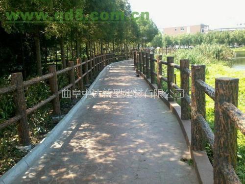 微山厂家直销 水泥仿木护栏价格 混凝土水泥仿木栏杆图片