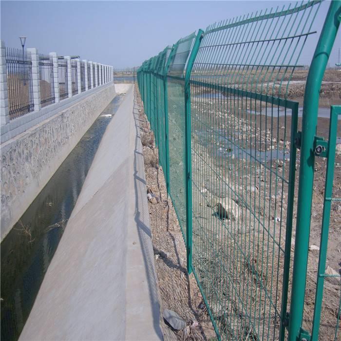 石油井场围栏网 边框式隔离栅 厂区防攀爬框架护栏网