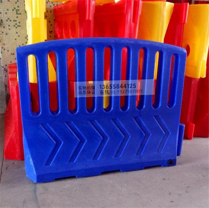 塑料水马生产厂家 全新PE料防撞桶设施 道路隔离墩