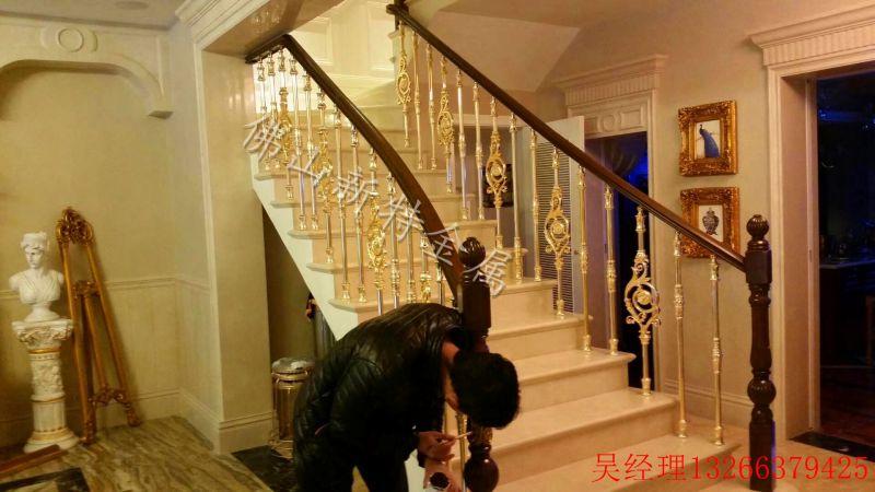 銅藝樓梯1
