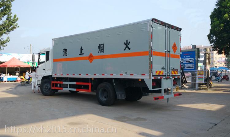 东风天锦易燃液体运输车,煤油运输车,危货车