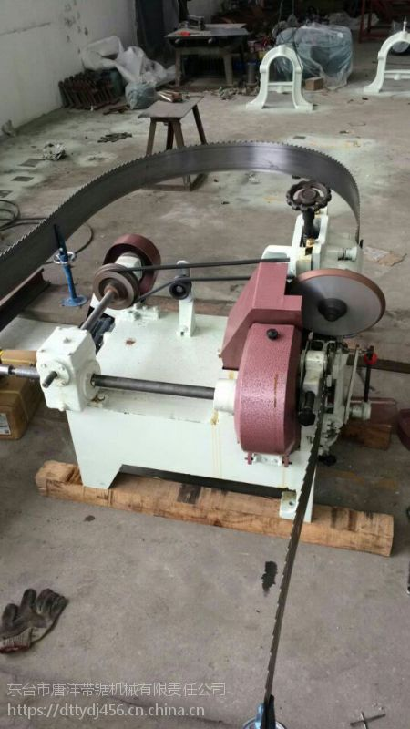数控跑车带锯机原木开料视频 高端品质 木工自动磨锯机家用设备