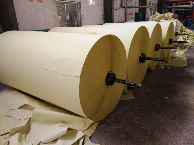 65克黄色防近视卷筒纸,复卷顺畅,无断头。
