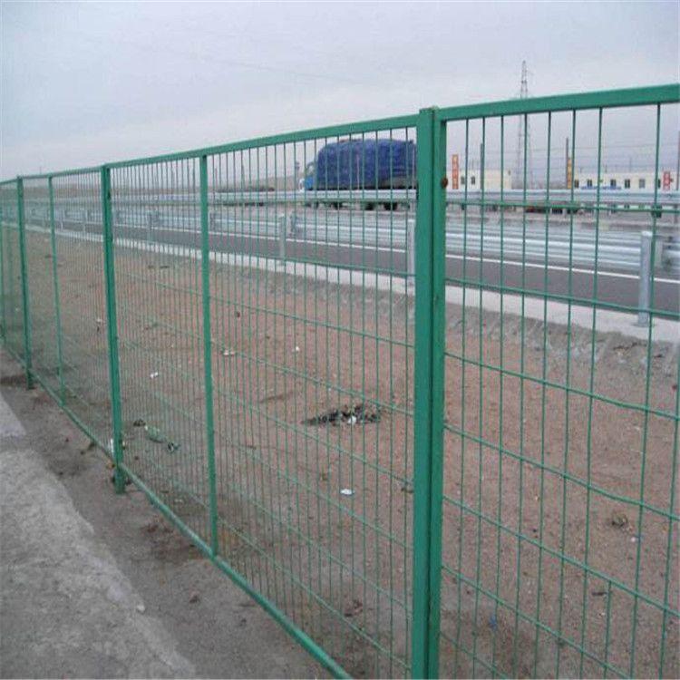 朋英 厂家直销 铁路两侧铁丝隔离栅 浸塑防腐蚀隔离栅