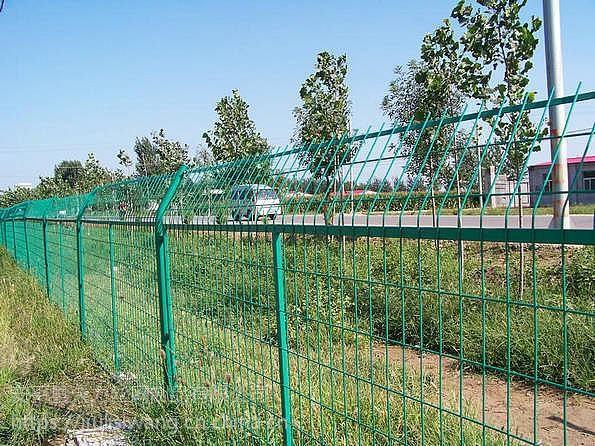 铁丝网围挡-铁丝网围挡施工