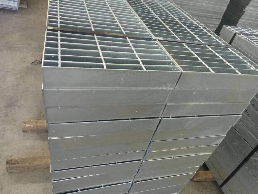 Q235热镀锌钢格栅板生产商/冠成