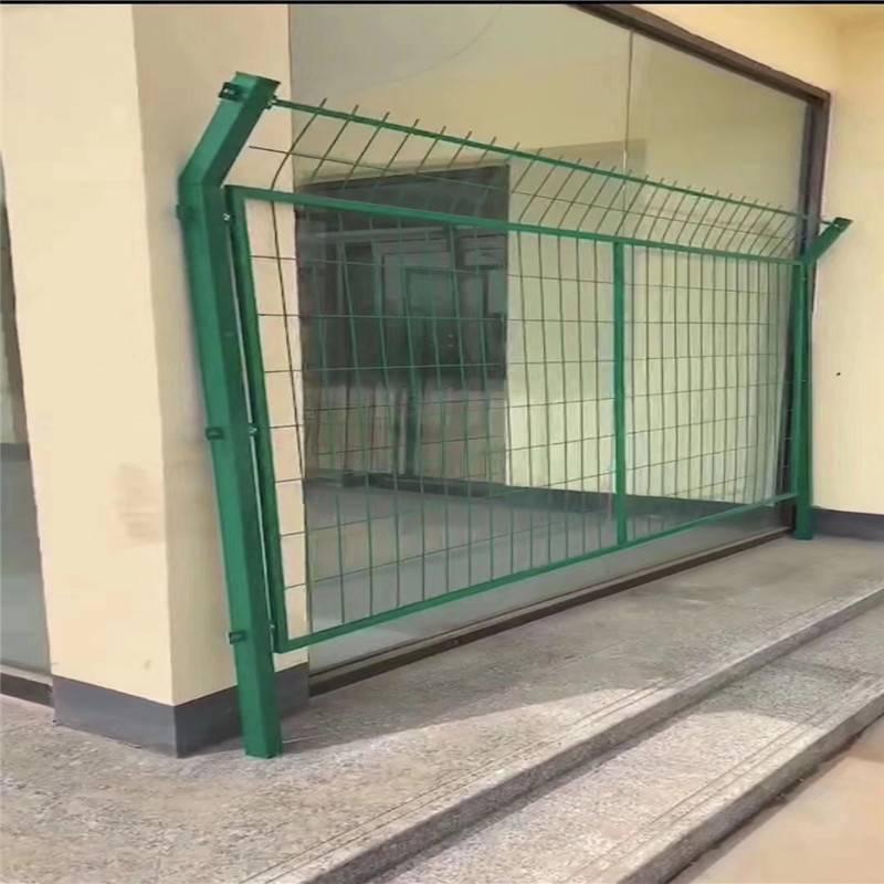 组装围栏 绿色铁丝网 防护围墙网