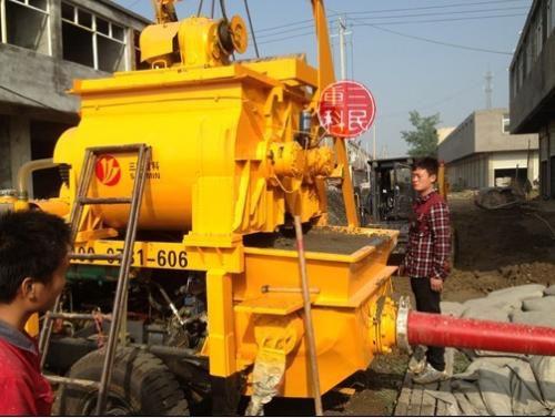 搅拌拖泵在新农村施工中有哪些优势?