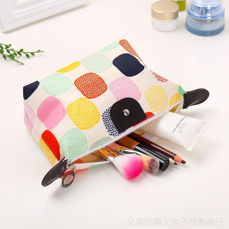 时尚便携大容量化妆包水饺包 可折叠化妆品收纳袋浴室防水收纳包
