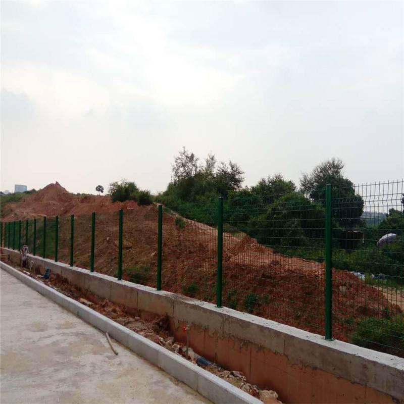 坑基护栏网 卷筒护栏网 校园围墙防护网