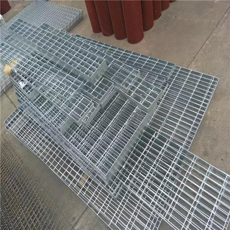 新疆楼梯踏步板 钢格栅板钢格板加工 平台钢格栅生产厂家