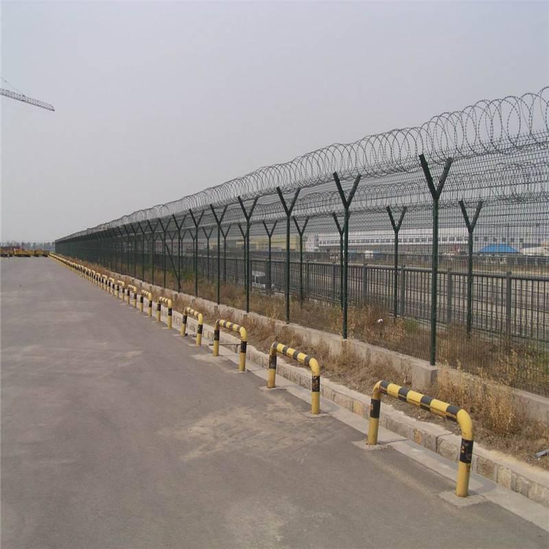 护栏网哪家好 防攀护栏网 学校围墙铁丝网