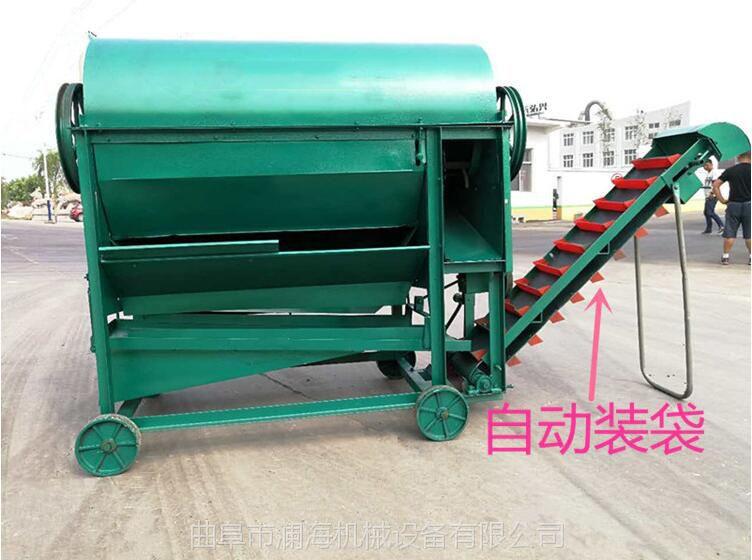 摘花生的机器 全喂入干湿两用花生摘果机图片 自动装袋摘果机厂