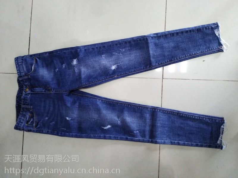广州服装批发市场在哪里批发低价牛仔裤T恤批发尾货服装批发