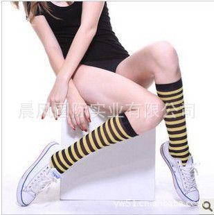 新款义乌斑马袜子雪梨黑白纹中筒袜性感条纹图片