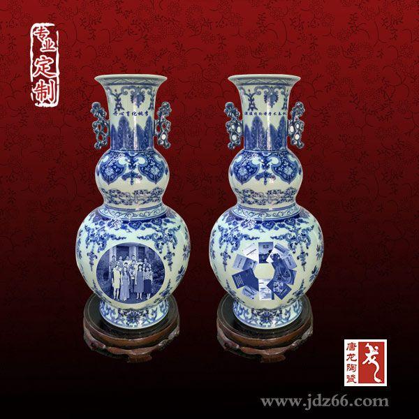 礼品花瓶定制 手绘高档陶瓷青花小花瓶厂家批发