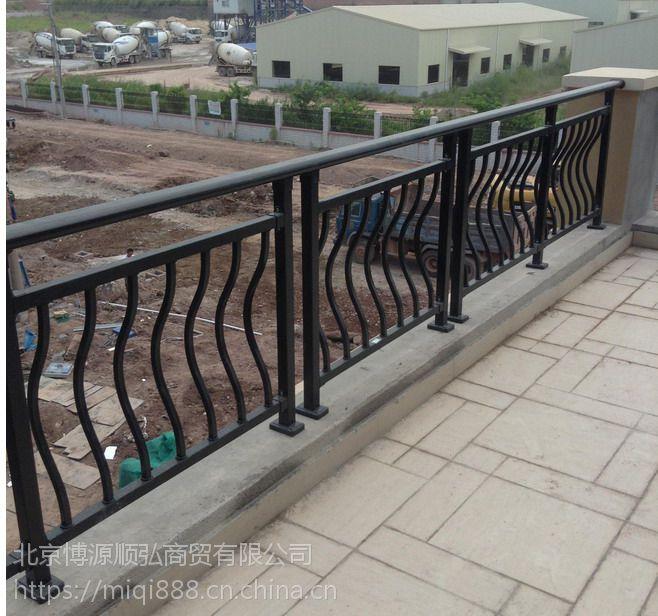 驻马店烤漆阳台栏杆,驻马店喷塑护窗护栏,钢化玻璃组装栏杆,HC,Q235烤漆露台围栏