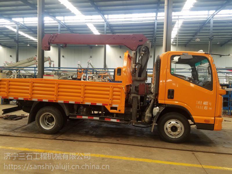河北蓝牌随车吊生产厂家,3吨吊机采用六凌大臂,70锰钢强度高