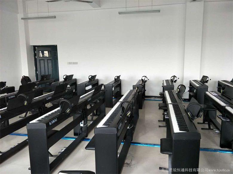 【多媒体数码钢琴教学软件 电钢琴实训室设备