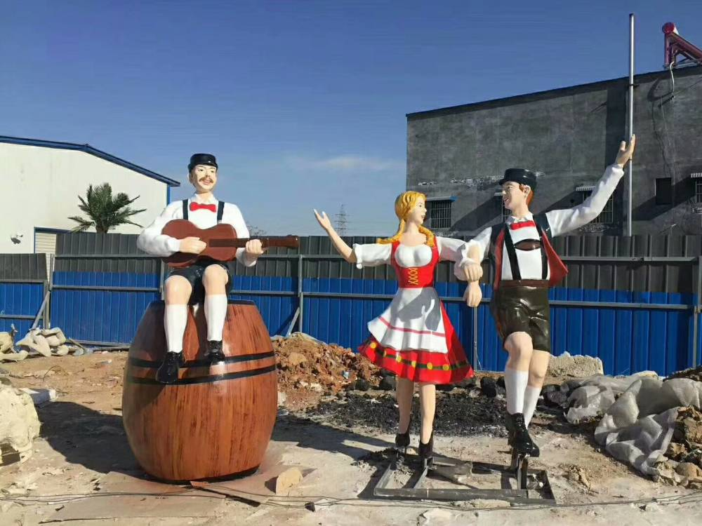 玻璃钢德国跳鬼步舞蹈男女雕像仿真曳步舞者塑像拍腿舞雕塑树脂彩绘踢踏舞啤酒节主题摆件