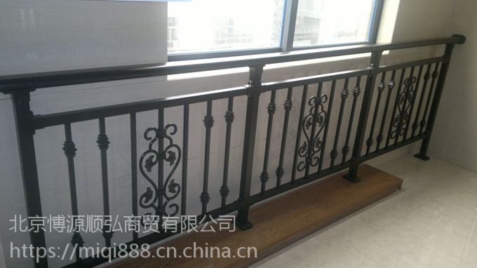 洛阳喷塑护窗栏杆,洛阳锌钢阳台护栏,HC玻璃阳台栏杆,Q235克莱丁靠墙扶手,组装百叶空调围栏