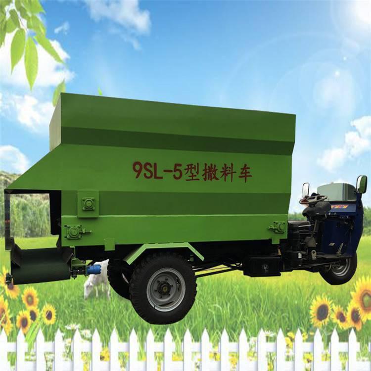 电动喂料车型号 适合中小型养殖户使用的电动喂料车 润丰